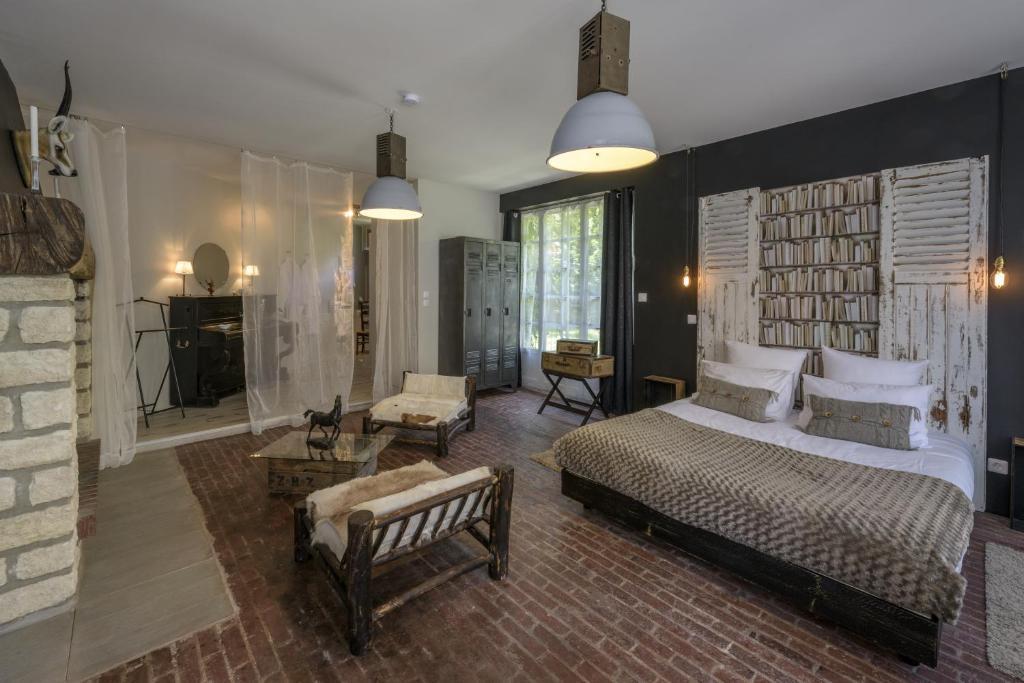 la parenthese du rond royal r servation gratuite sur viamichelin. Black Bedroom Furniture Sets. Home Design Ideas