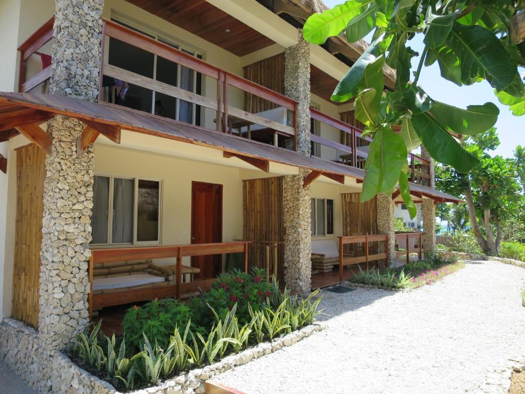 Tepanee Beach Resort Holiday