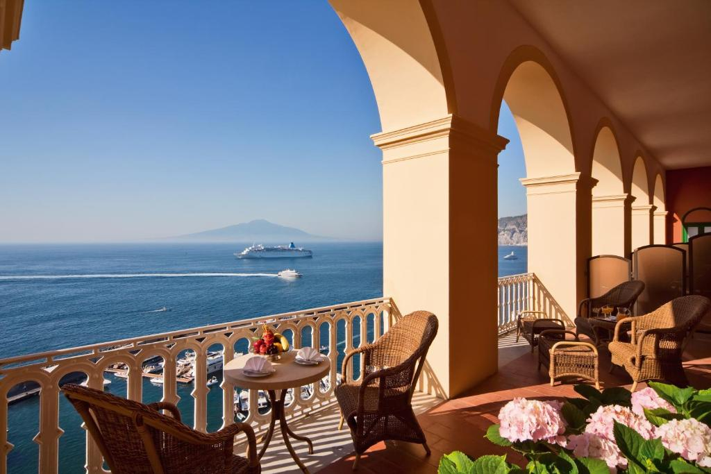 Grand Hotel Excelsior Vittoria Sorrento Website