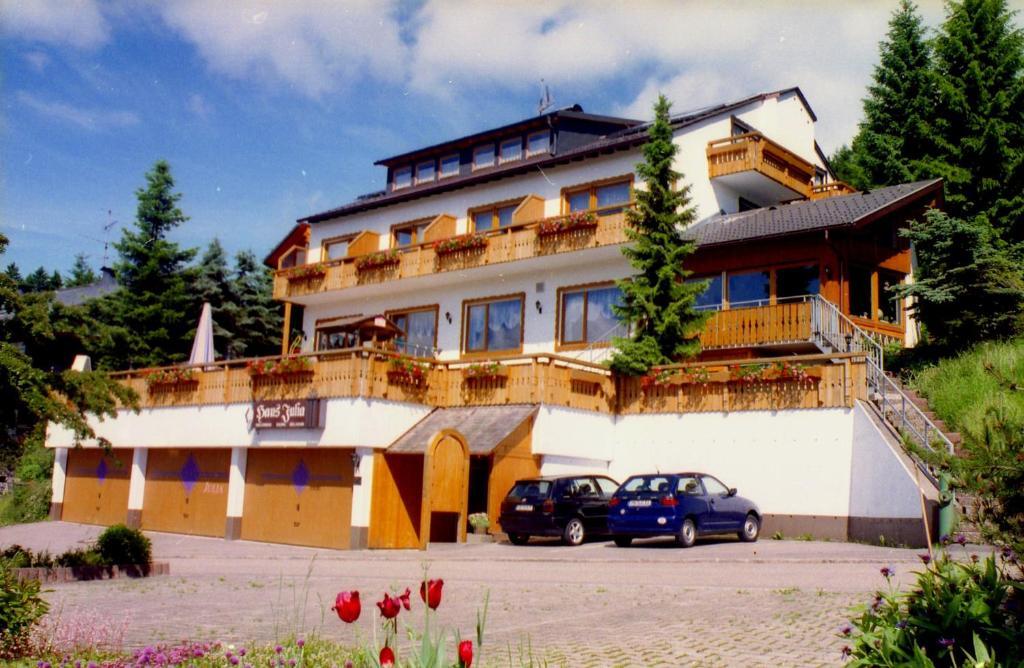 Appart hotel julia sch nwald im schwarzwald reserva tu for Appart hotel 95