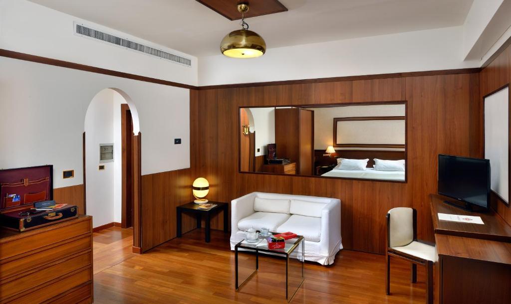 Grand Hotel Elite Bologna Telefono