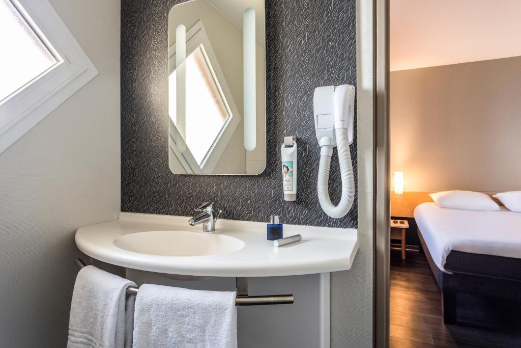 ibis thonon evian r servation gratuite sur viamichelin. Black Bedroom Furniture Sets. Home Design Ideas