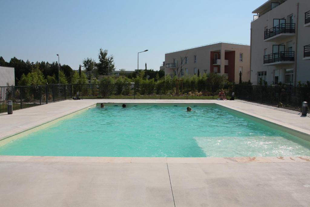 Appart 39 h tel avignon campus del sol r servation gratuite for Hotel avignon piscine