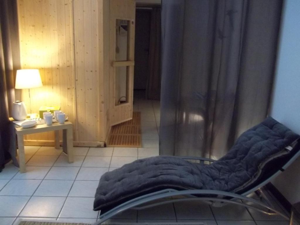 logis hotel le france villers le lac online booking viamichelin. Black Bedroom Furniture Sets. Home Design Ideas