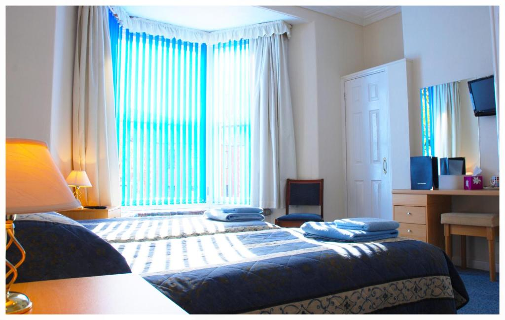 Book A Room Exeter University