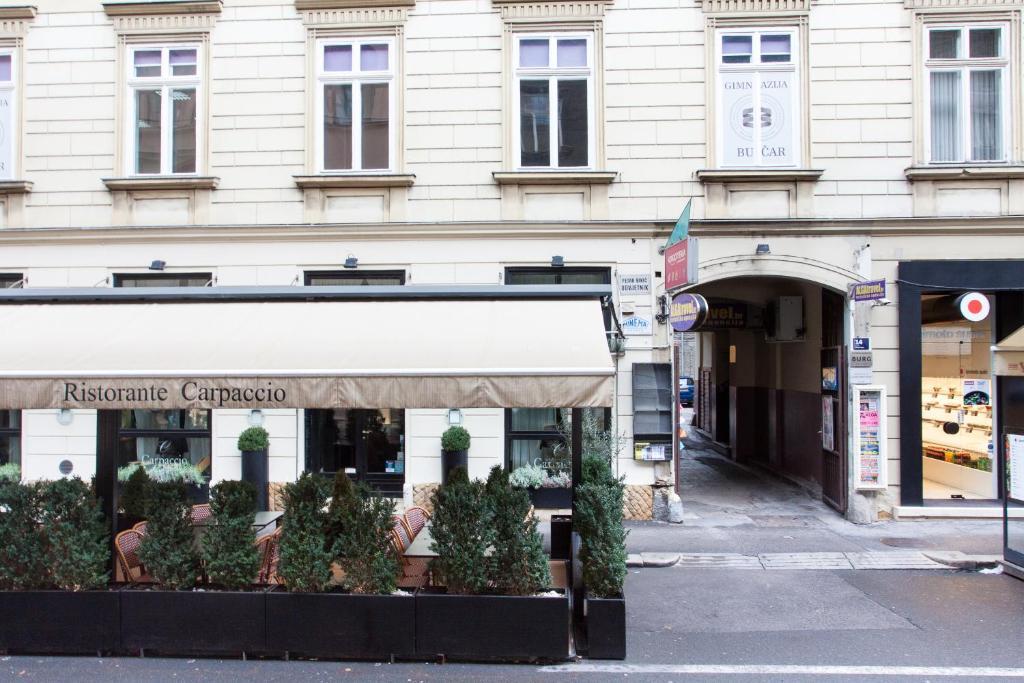 Tesla boutique apartments zagreb informationen und for Design boutique hotel zagreb
