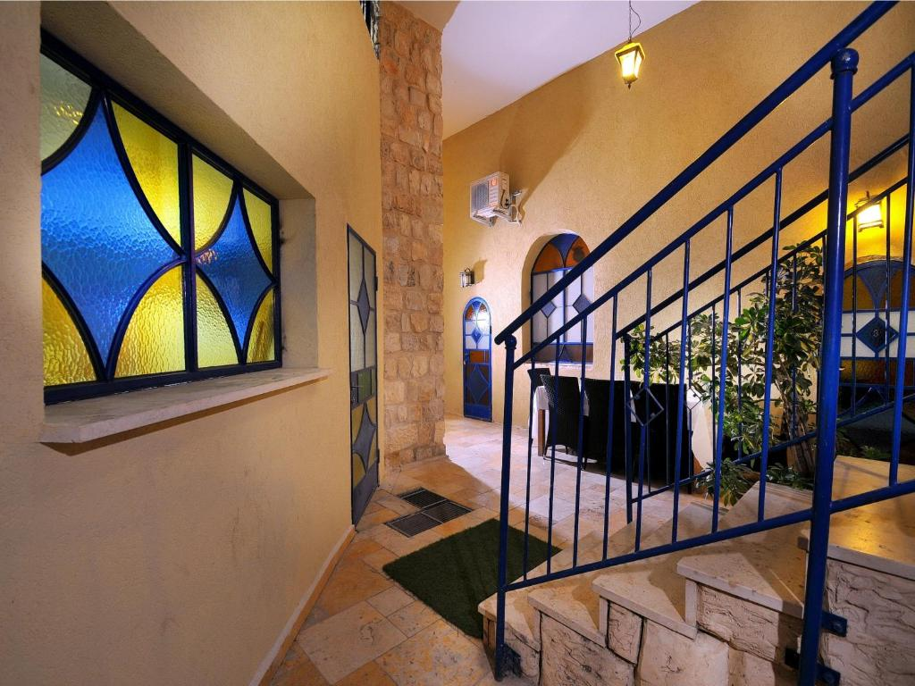 Vitrage luxury residence bed & breakfast safed