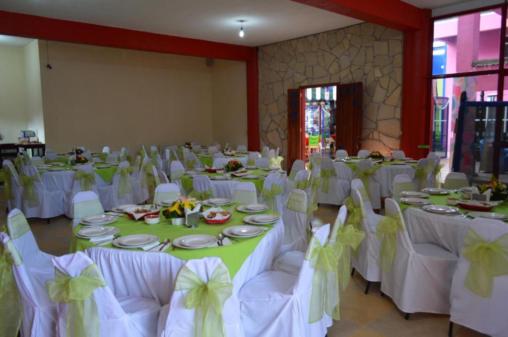 Hotel azulejos san crist bal de las casas book your for Azulejos express san cristobal