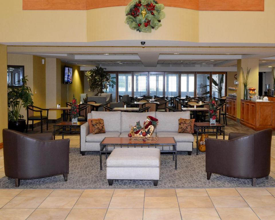 Hotel Rooms In Monroe La