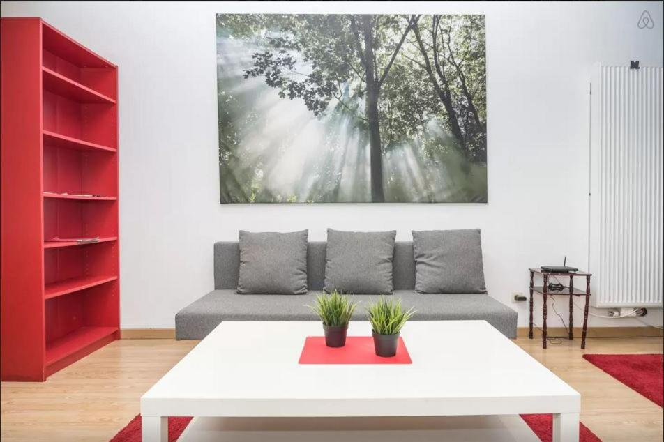 The Red Apartment - Wohnungen in Brussels (Brussels Capitale, Belgium)