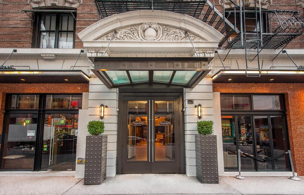 Hotels In Amsterdam Ny Area