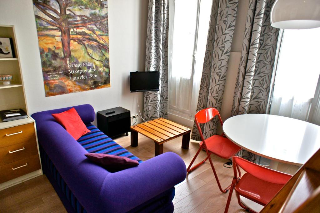 studio mezzanine saint germain des pr s r servation. Black Bedroom Furniture Sets. Home Design Ideas