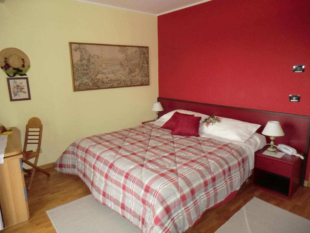 Camere Da Letto Con Pareti Rosse: Idee per colori di pareti per la ...