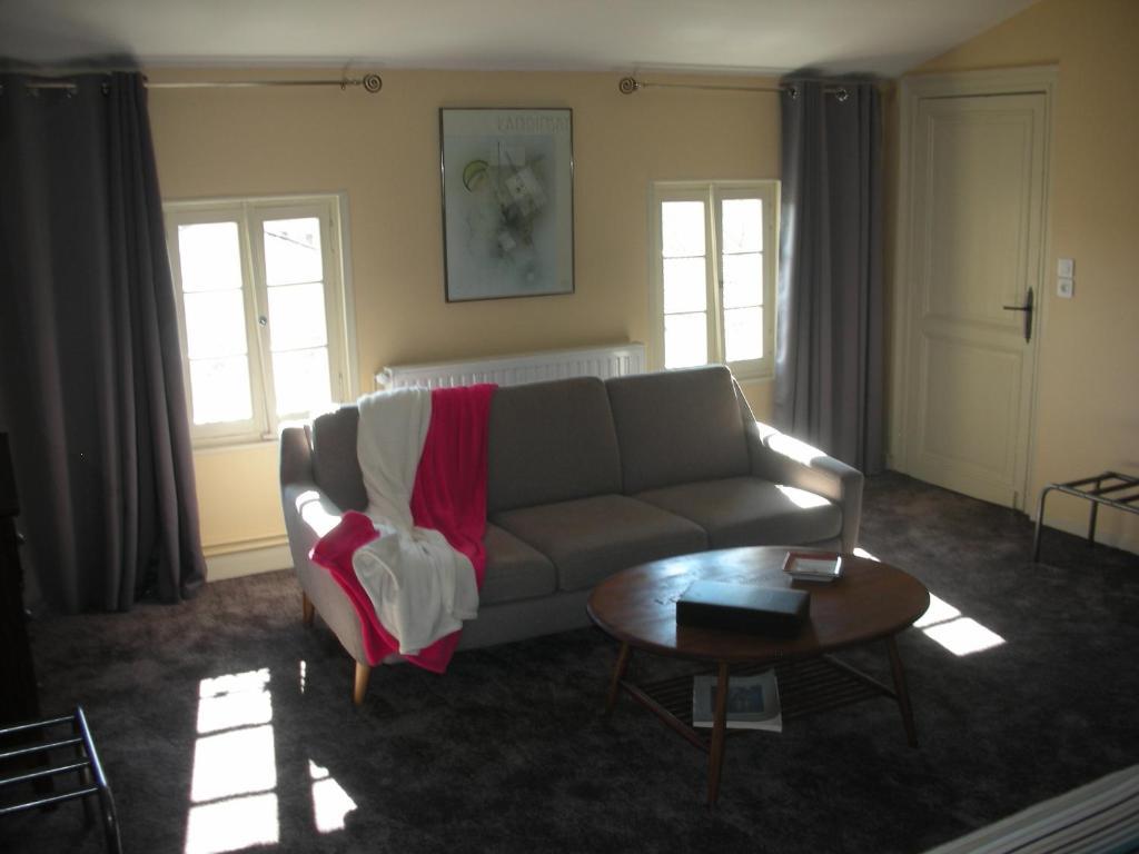Chambres d 39 h tes num ro 15 coutras informationen und for Numero de chambre hotel