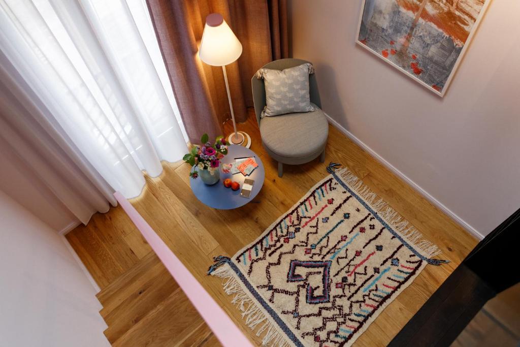 libertine lindenberg francoforte sul meno prenotazione on line viamichelin. Black Bedroom Furniture Sets. Home Design Ideas