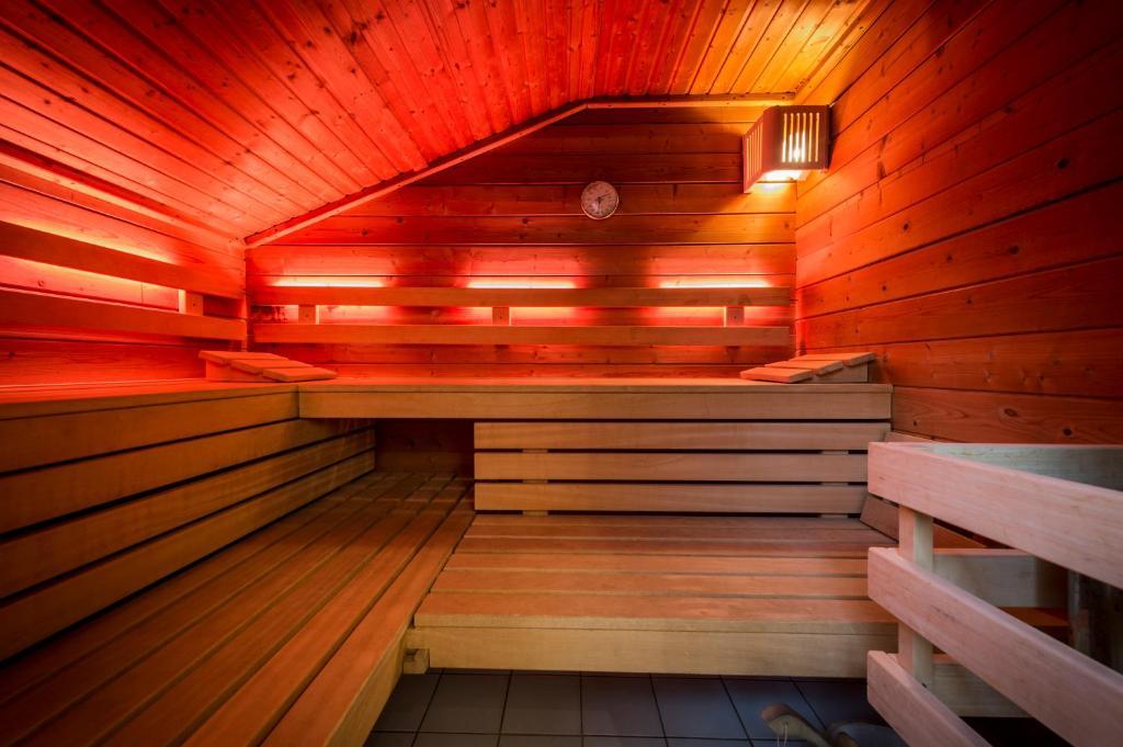 hotel l cke rheine r servation gratuite sur viamichelin. Black Bedroom Furniture Sets. Home Design Ideas