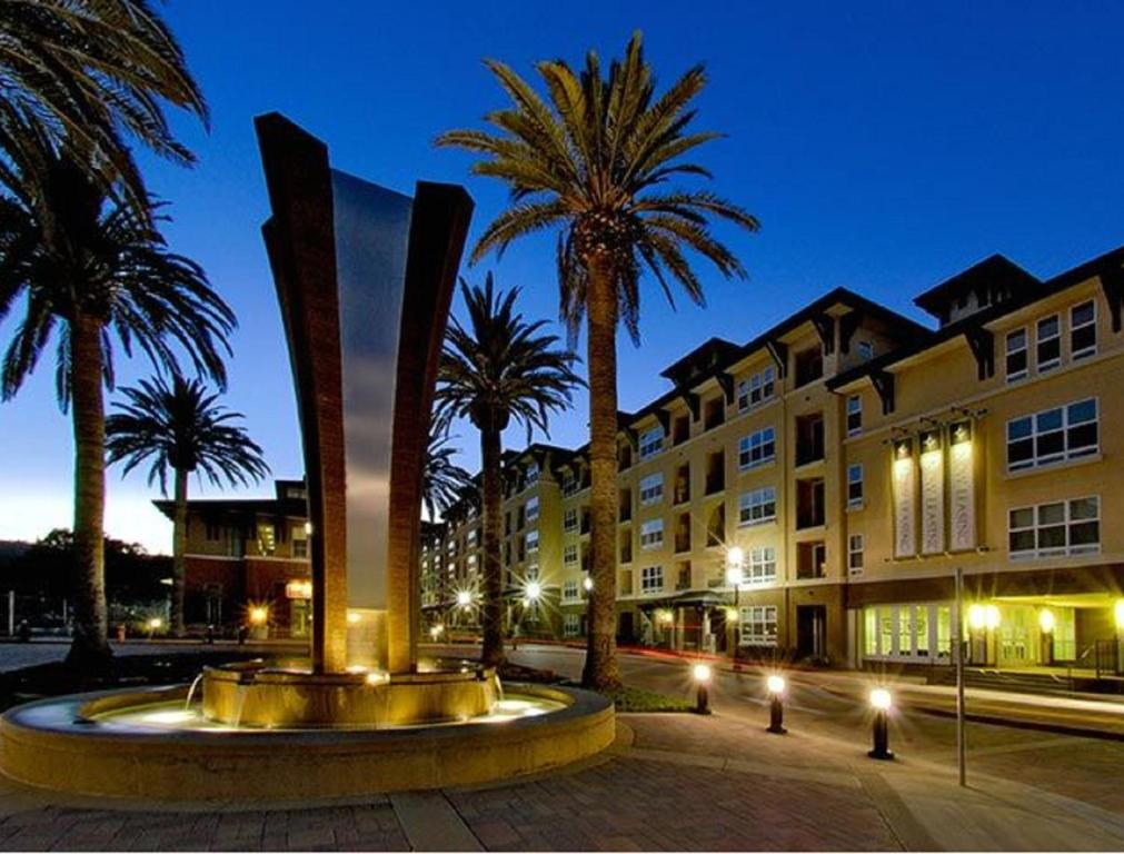 Hotel Global Luxury Suites At Commodore Drive In San Bruno