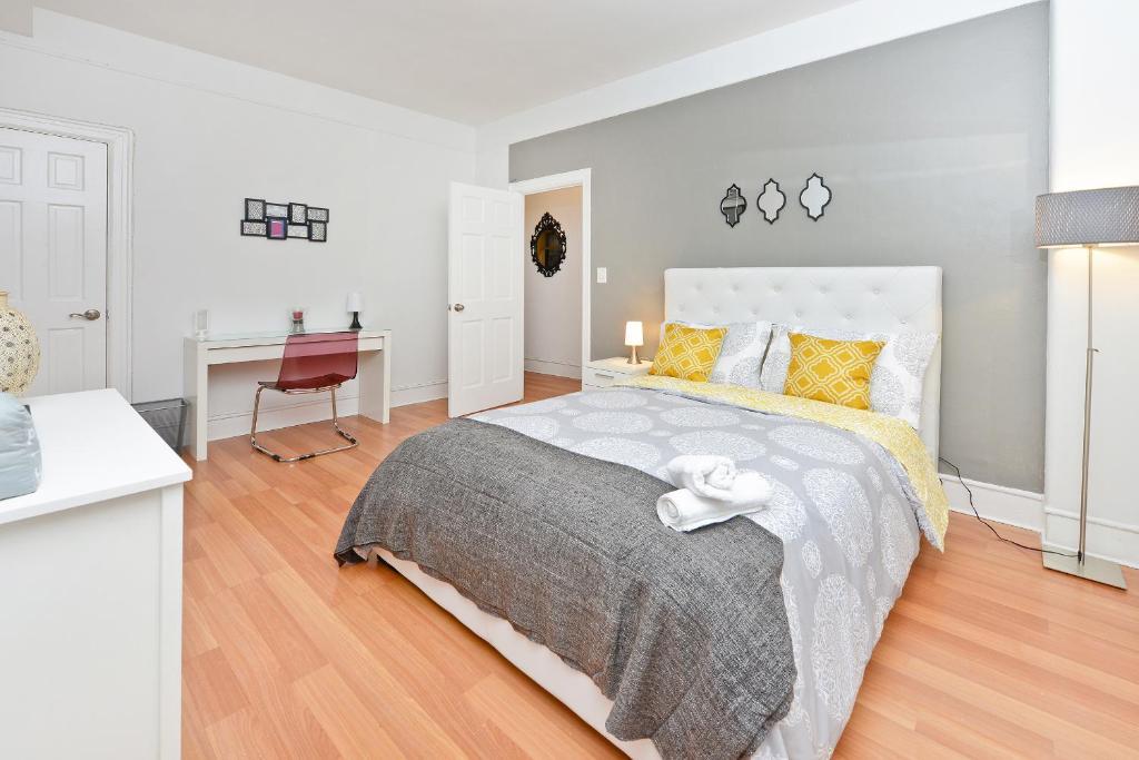 Surprising Modern Three Bedroom Wohnung Upper East Side Wohnung New Download Free Architecture Designs Rallybritishbridgeorg