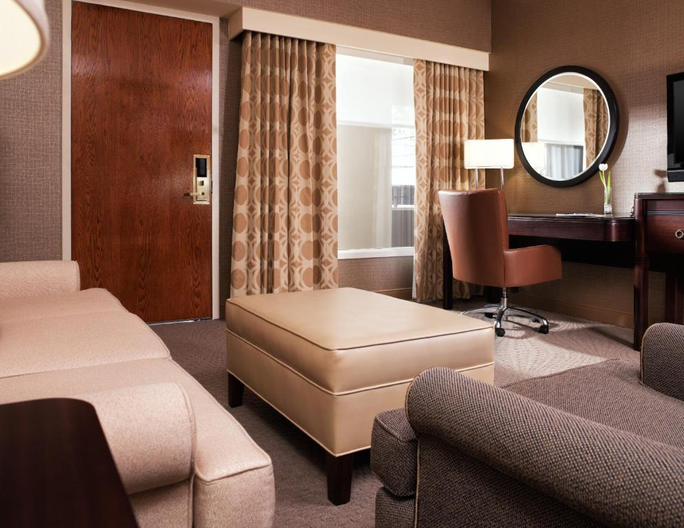 Chicago Airport Hotels >> Sheraton Chicago O Hare Airport Hotel In Rosemont Illinois
