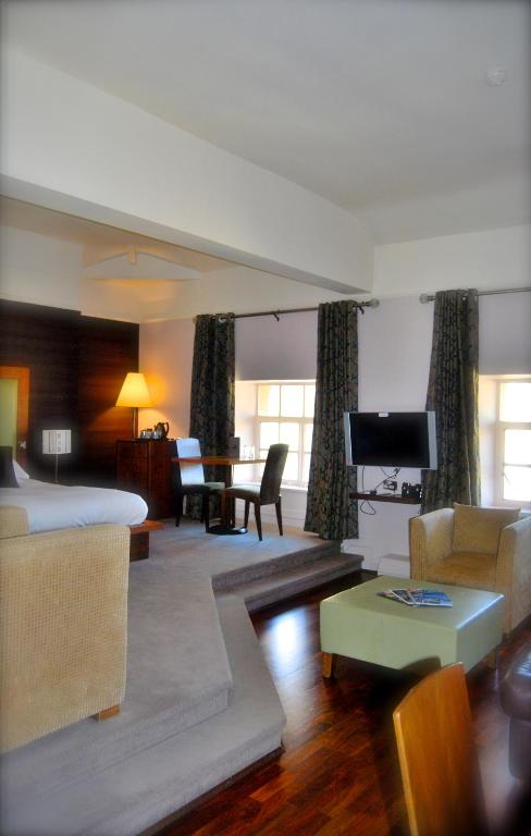 Hotel With Smoking Rooms Liverpool