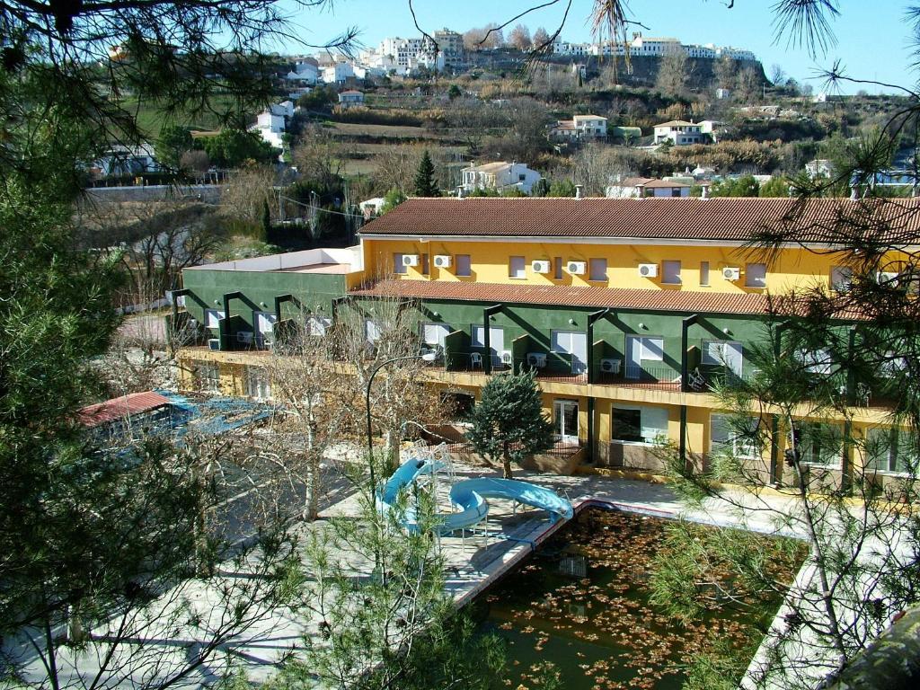 Hotel r o piscina r servation gratuite sur viamichelin for Hotel rio piscina priego de cordoba
