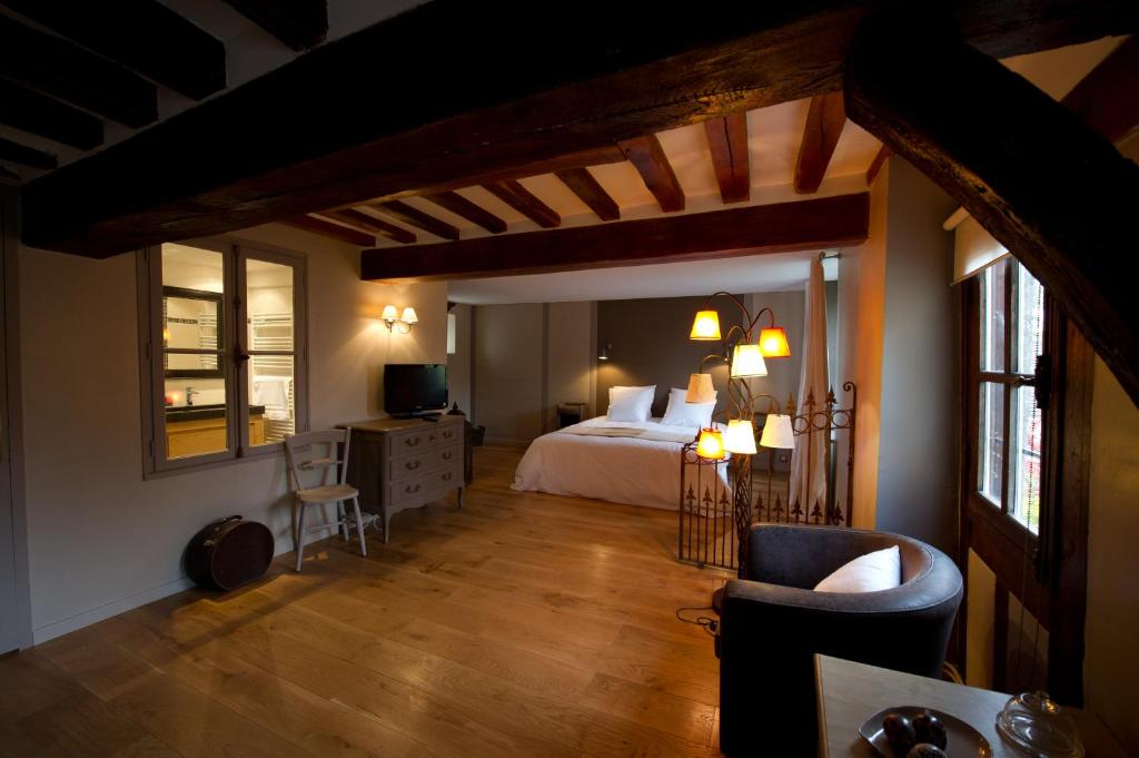 Hotels In Senlis France