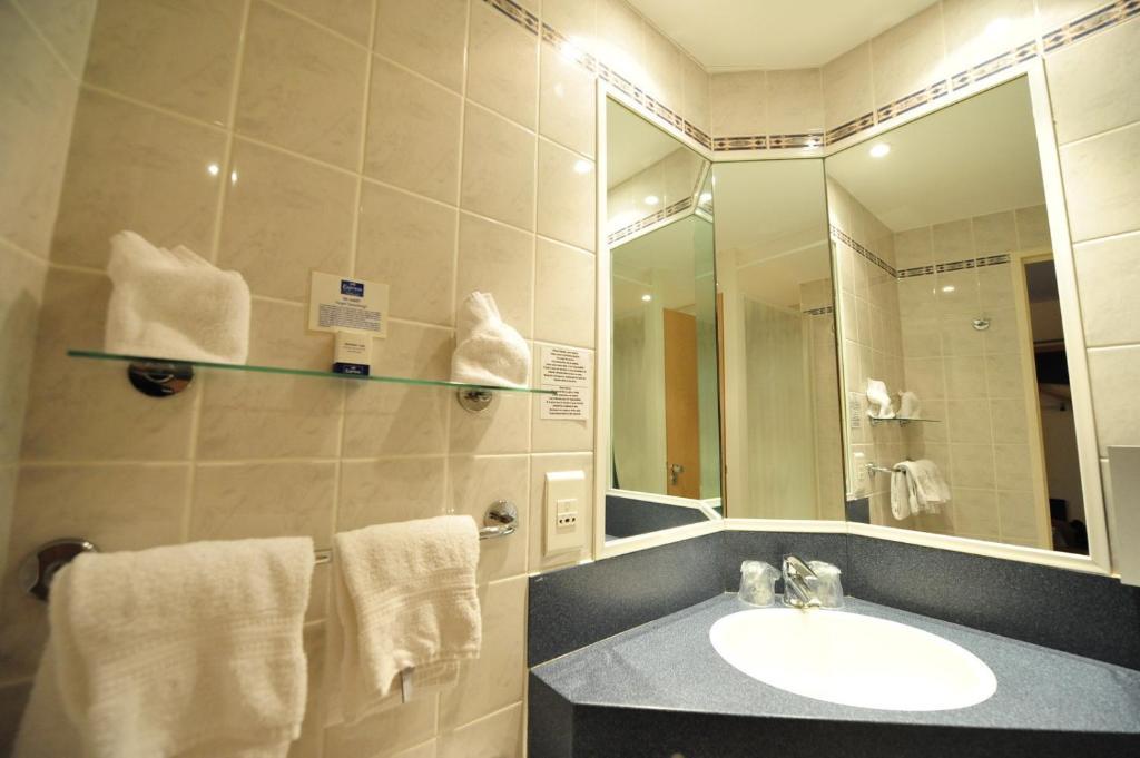 holiday inn express arras r servation gratuite sur viamichelin. Black Bedroom Furniture Sets. Home Design Ideas