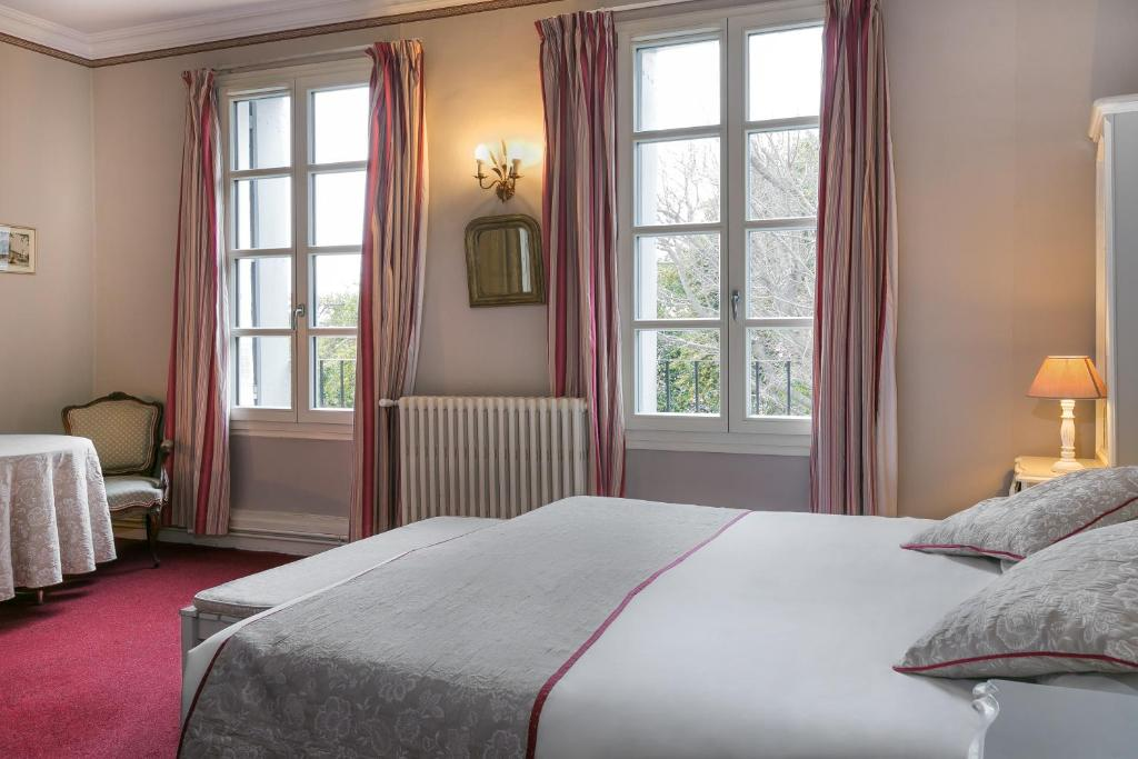 best western hotel le guilhem montpellier. Black Bedroom Furniture Sets. Home Design Ideas