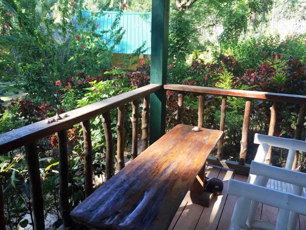 Garden Bay Beach Resort El Nido - El Nido - online booking - ViaMichelin