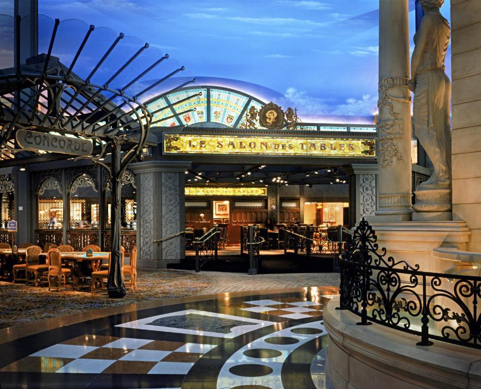 Vid; ...cool non smoking las vegas hotels