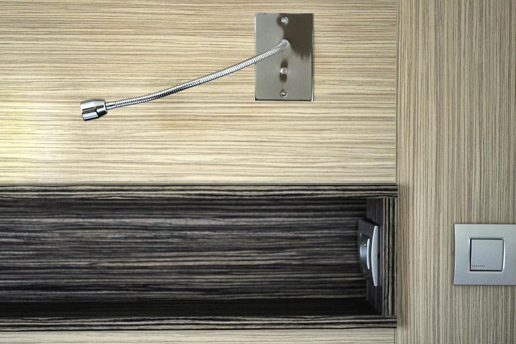 comfort hotel marseille airport vitrolles informationen und buchungen online viamichelin. Black Bedroom Furniture Sets. Home Design Ideas