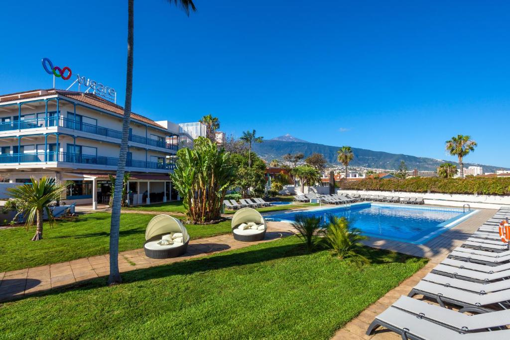 Hotels With Outdoor Pools Ireland