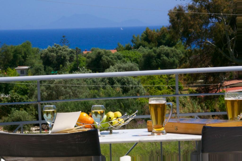 Alkioni hotel argost li reserva tu hotel con viamichelin for Habitaciones familiares lisboa