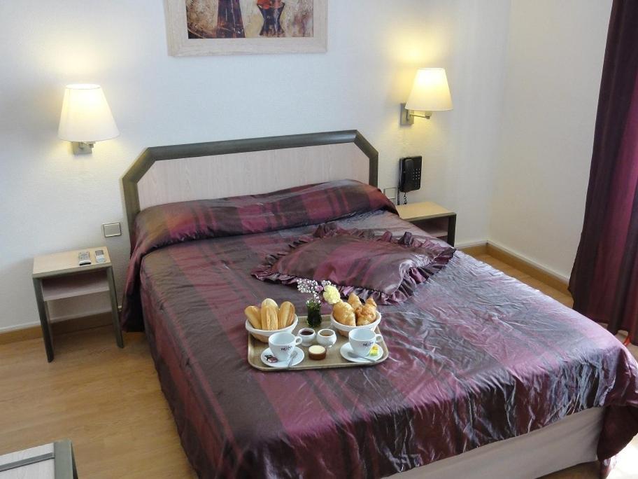 h tel le p rigord agen online booking viamichelin. Black Bedroom Furniture Sets. Home Design Ideas