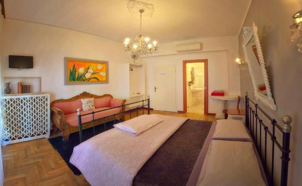 Camera Matrimoniale A Treviso.B B Madam Treviso Affittacamere Treviso