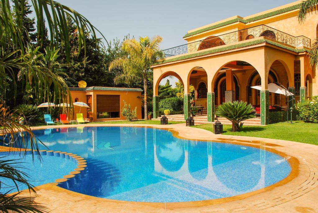 Riad noumidya r servation gratuite sur viamichelin for Hotel fes piscine