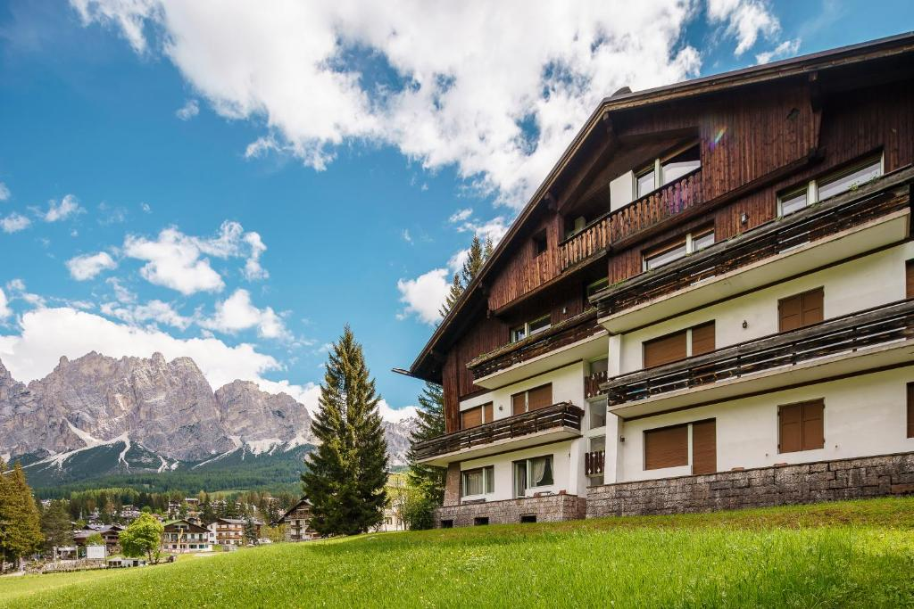 Risultati immagini per StayInCortina, Cortina d'Ampezzo, Veneto