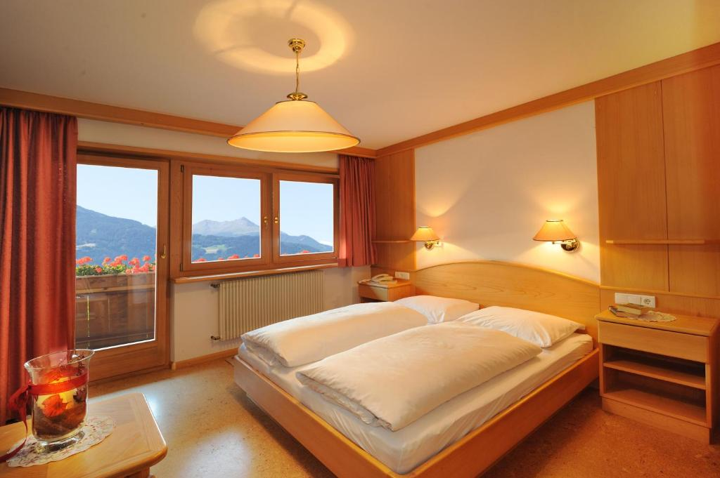 Pension summererhof brixen book your hotel with for Bressanone pensione
