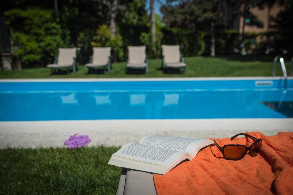 Corvetto residence porto di mare milano prenotazione for Piani di piscina gratuiti online