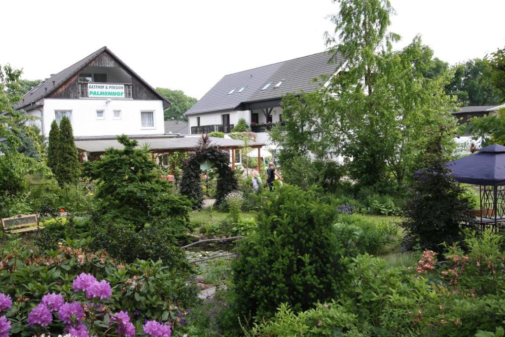 Gasthof pension palmenhof oranienburg prenotazione for Piani domestici contempory