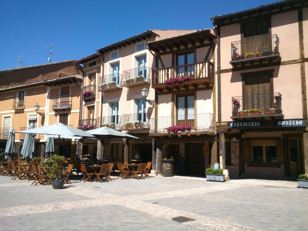 Apartamentos la alborada medieval riaza reserva tu - Hoteles en ayllon ...