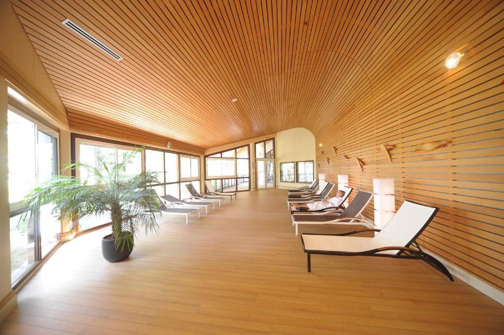 Appart hotel spa atlantic golf r servation gratuite sur for Appart hotel salon