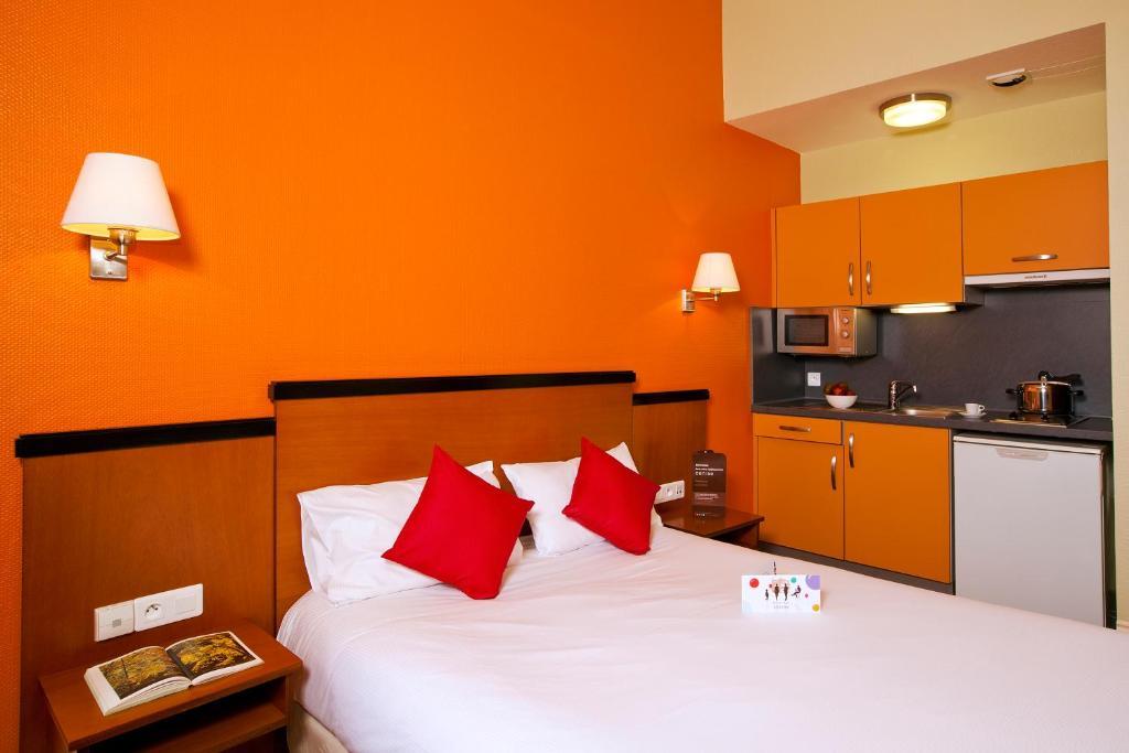 le metropole cerise hotels r sidences r servation gratuite sur viamichelin. Black Bedroom Furniture Sets. Home Design Ideas