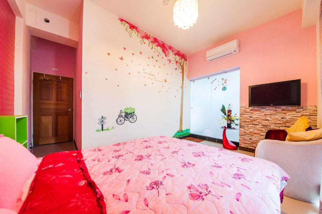 Love Night Market Inn Bed Breakfast Luodong