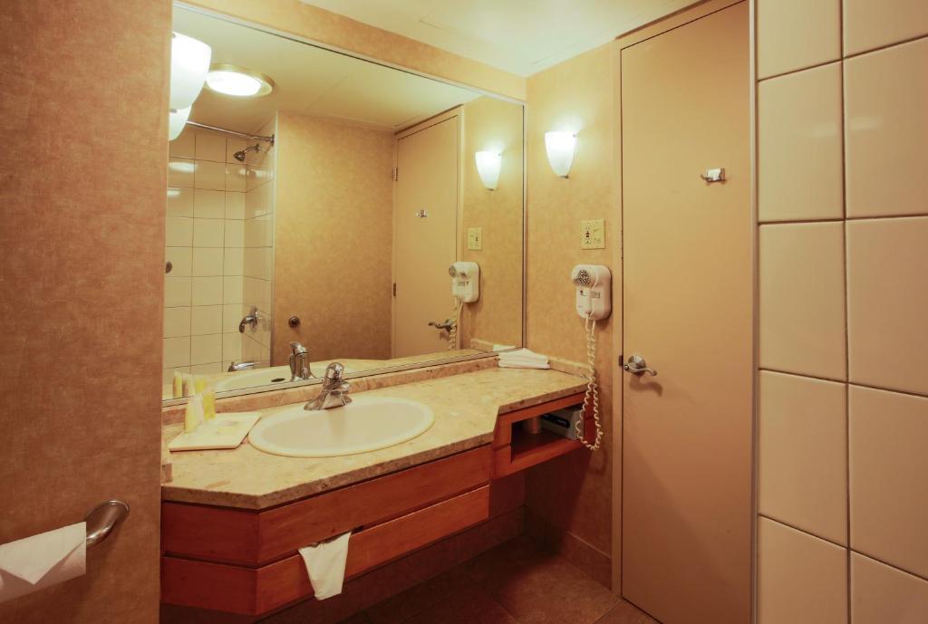 Hotel Montreal Berri Uqam
