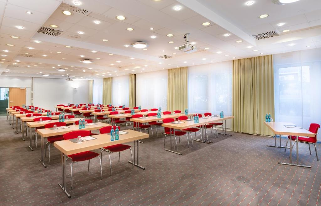 novina hotel w hrdersee n rnberg city r servation gratuite sur viamichelin. Black Bedroom Furniture Sets. Home Design Ideas