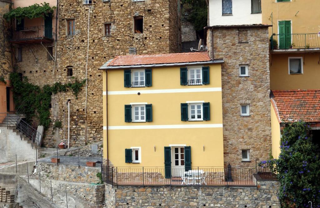 Case In Pietra Antiche : Case e alberghi