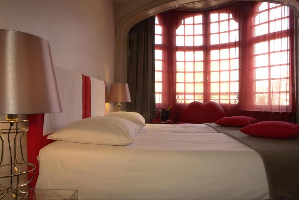 Monty small design hotel brussels book your hotel with for Hotel design book