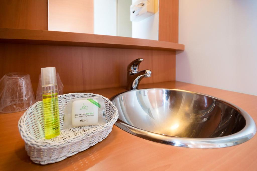 brit hotel le kerann nantes st herblain zac de la lorie r servation gratuite sur viamichelin. Black Bedroom Furniture Sets. Home Design Ideas