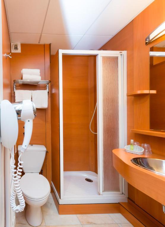 brit hotel le kerann nantes st herblain zac de la lorie saint herblain online booking. Black Bedroom Furniture Sets. Home Design Ideas